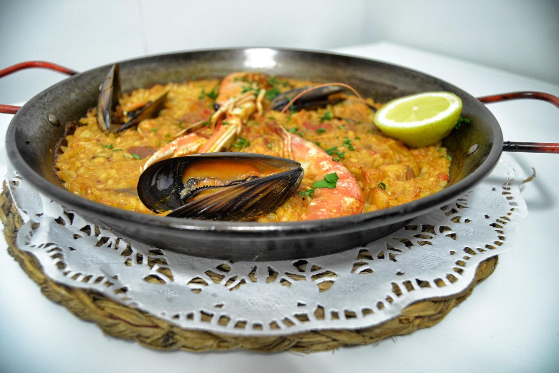 restaurant-mora-debre-paella-marinera-hostal-la-creu-FILEminimizer