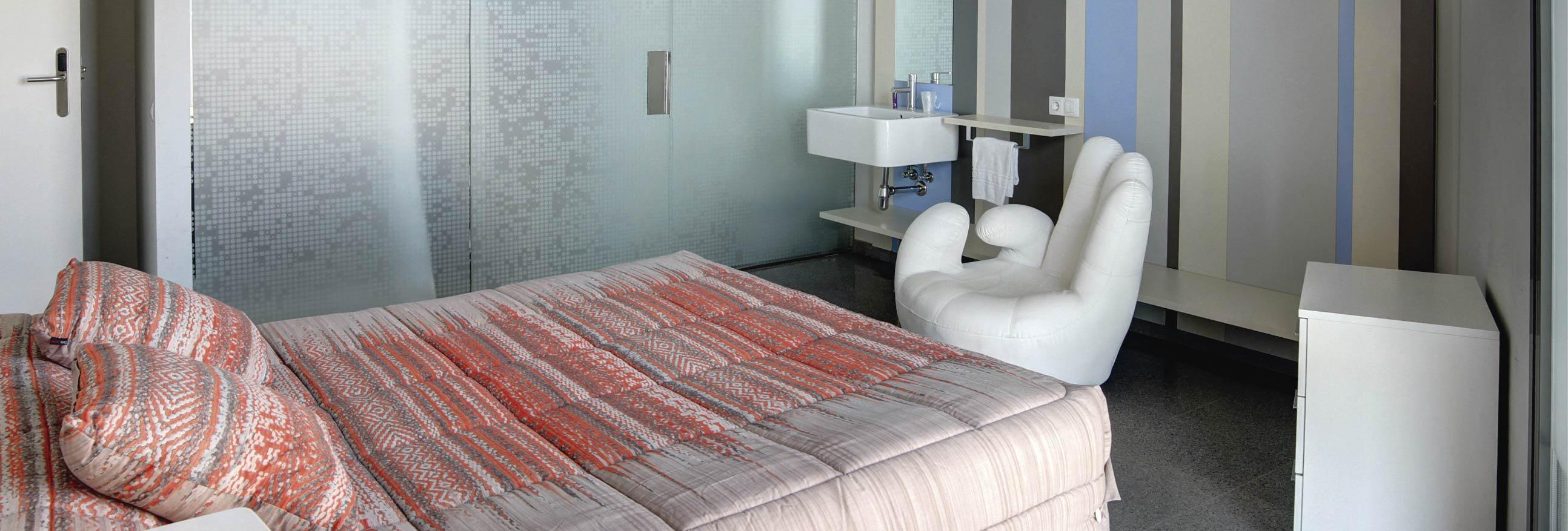 hostal la creu mora ebre tarragona habitacions 2-01