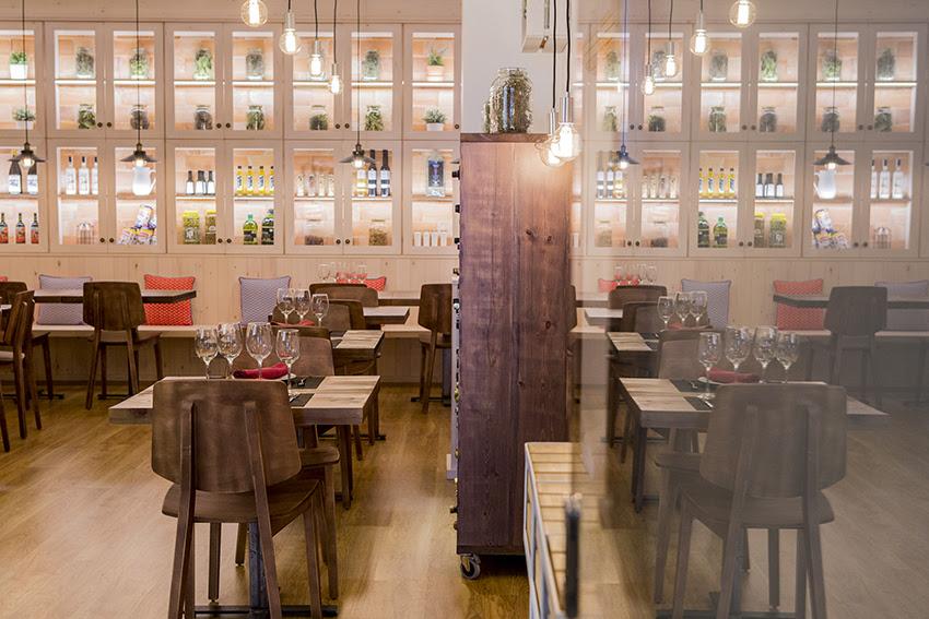 hostal la creu mora ebre restaurant 5