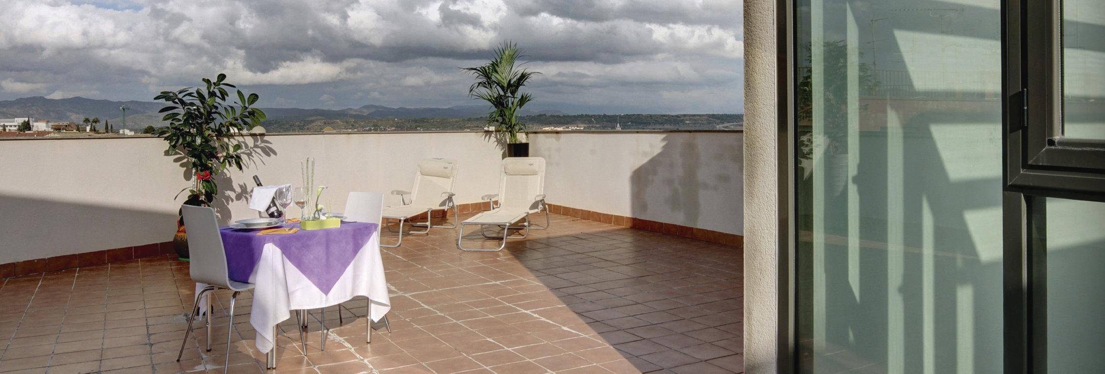 terrassa hostal gastronomic la creu mora ebre tarragona restaurant-01 (FILEminimizer)